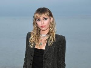 Miley Cyrus Ungkap Kehidupan Seks Selama Pandemi