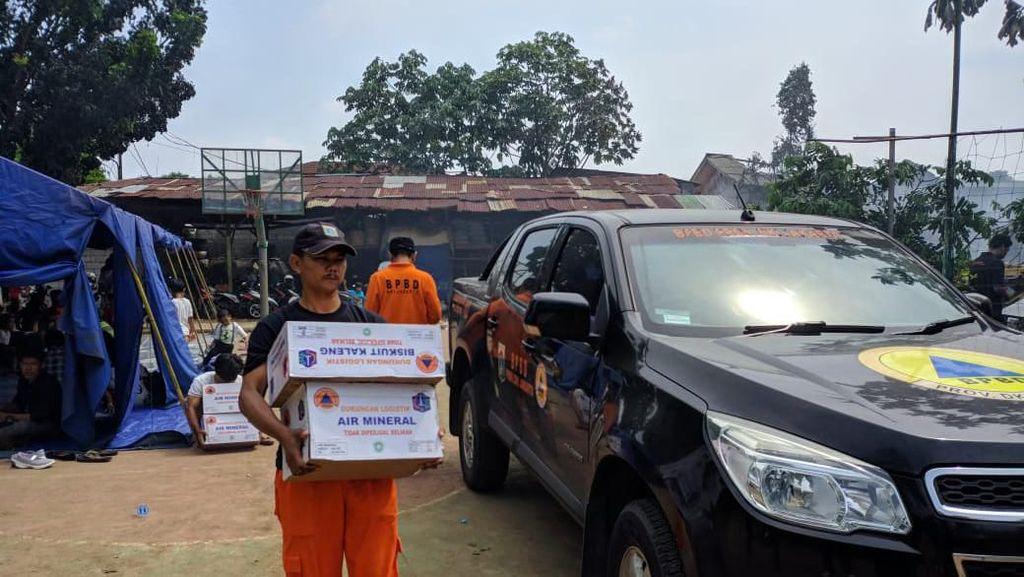 Dinsos-BPBD DKI Beri Bantuan untuk Korban Kebakaran Lapak Pemulung Pasar Minggu
