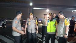 Kapolda Metro Tinjau Sterilisasi Tol Cikampek untuk One Way ke Jakarta