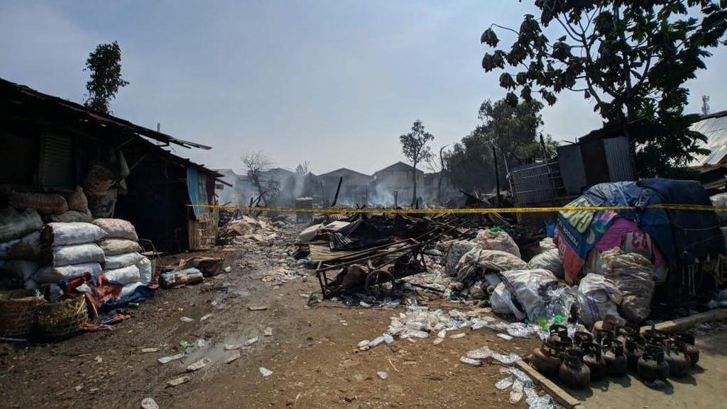 Kebakaran Lapak Pemulung di Pasar Minggu, 9 Kontrakan dan 1 Mobil Hangus