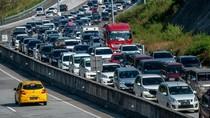 Truk Diminta Tak Lewat Trans Jawa saat Puncak Arus Balik Minggu Malam