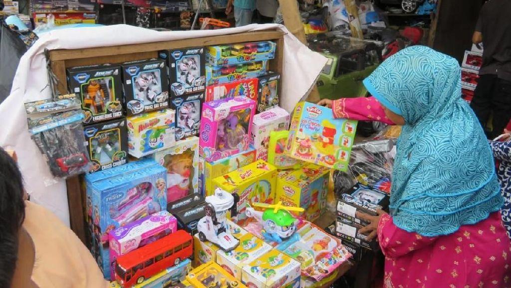 Pasar Gembrong Sepi Pembeli, Karena Toko Online?