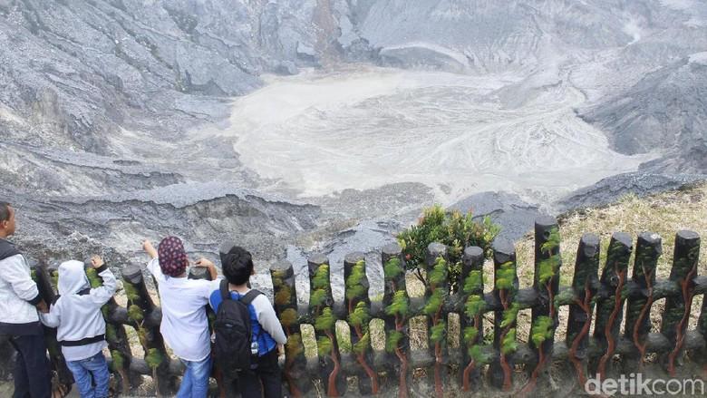 4 Fakta Gunung Tangkuban Perahu yang Erupsi/Foto: (Yudha Maulana/detikcom)