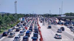 166.000 Kendaraan Lewat Tol Trans Jawa Pulang ke Jakarta