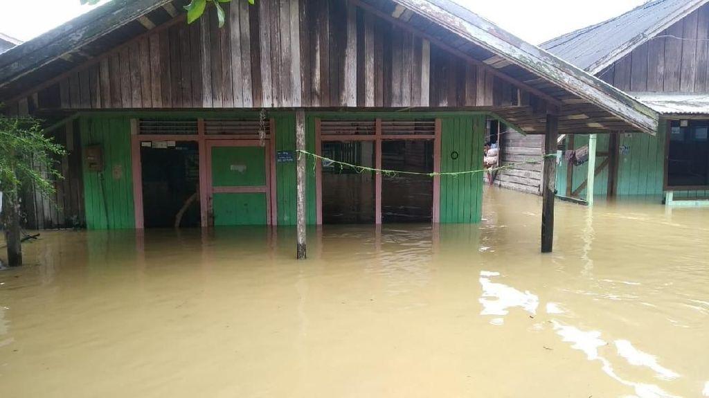 Samarinda Banjir, Akses ke Bandara APT Pranoto Putus