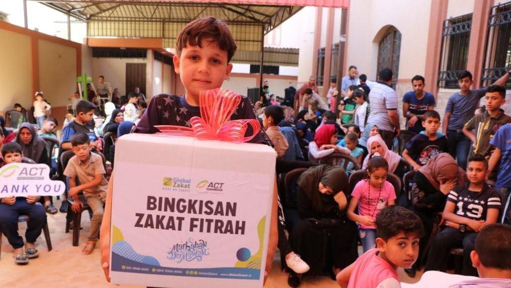 ACT Salurkan Zakat Fitrah Bagi Yatim dan Difabel di Palestina