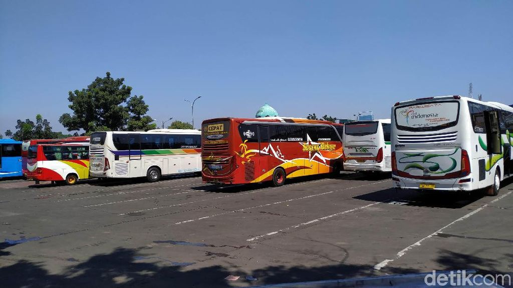 Penumpang Sepi Imbas Corona, Operasional Bus di Jabar Ikut Turun