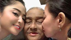 Turuti Keinginan Ayah, Dewi Perssik Cabut Laporan Terhadap Meldi