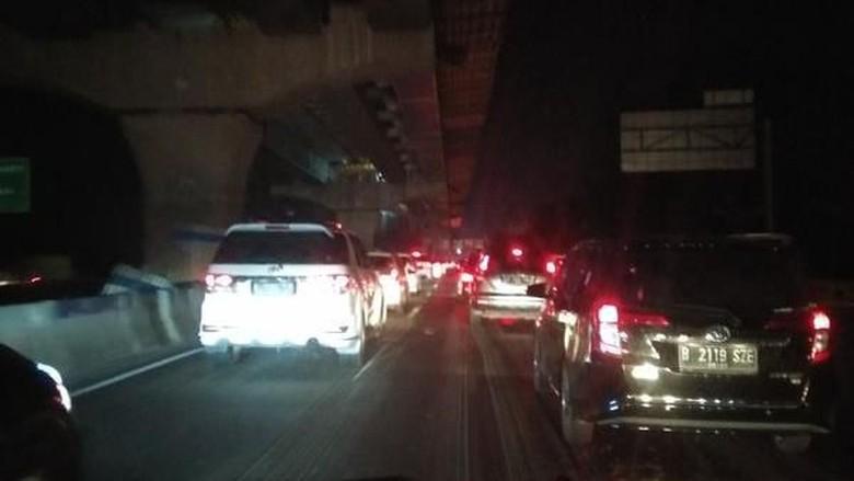 Daniel Kena Macet 3 Jam di Tol Cikampek-Jakarta Meski Sudah One Way