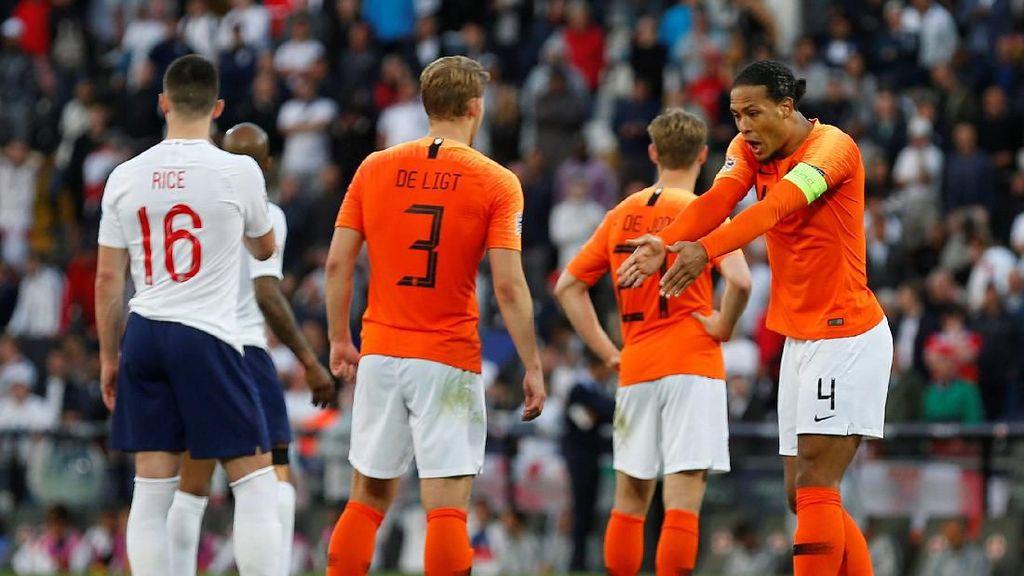 Belanda Punya Van Dijk-De Ligt untuk Matikan Ronaldo