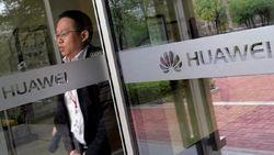 Gegara Perang Dagang, Huawei Terseok-seok