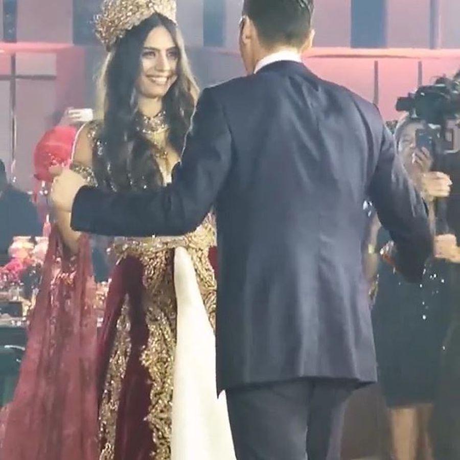 Kecantikan Amine Gulse Istri Mesut Ozil Dari Pre Wedding Hingga