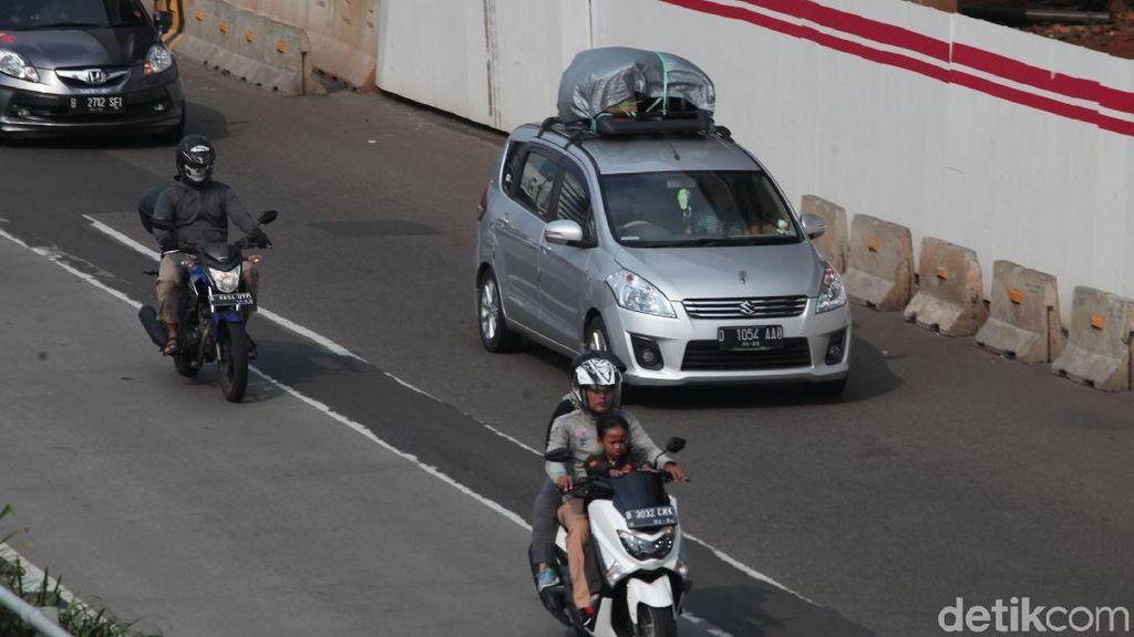 Jangan Asal Taruh Barang di Atap Mobil saat Mudik, Bahayanya Merusak Kontruksi Kendaraan