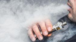 Berbagai Teori di Balik Kolapsnya Paru-paru Ratusan Remaja Usai Nge-vape