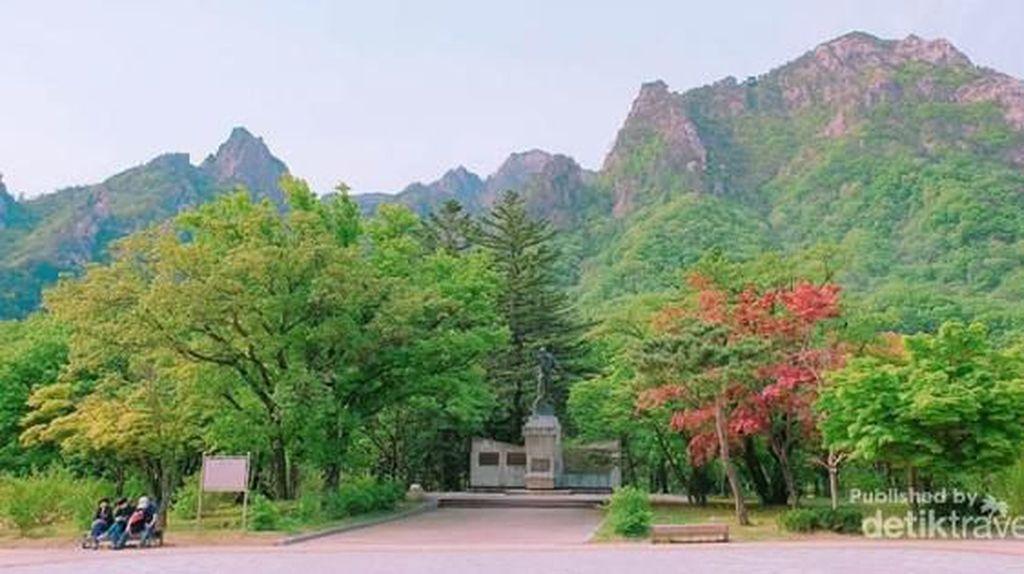 Taman Nasional Korea Ini Sangat Kental dengan Sentuhan Agama dan Budaya