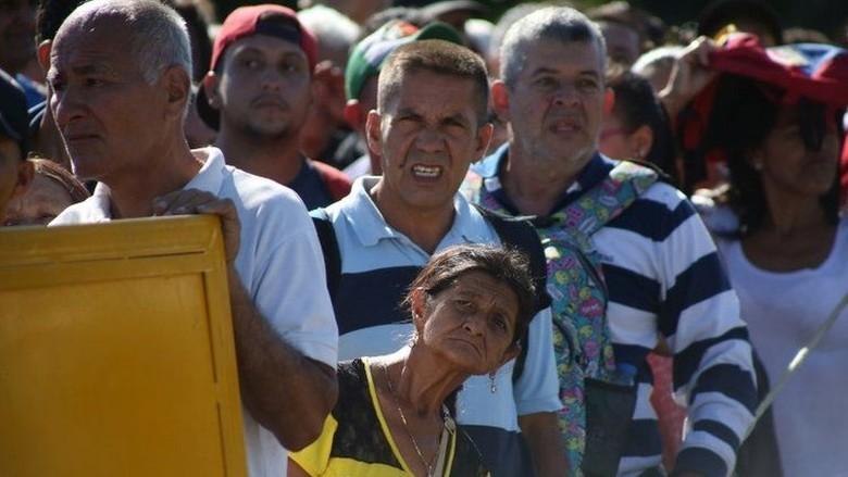 Perbatasan Venezuela-Kolombia Dibuka, Puluhan Ribu Orang Menyeberang