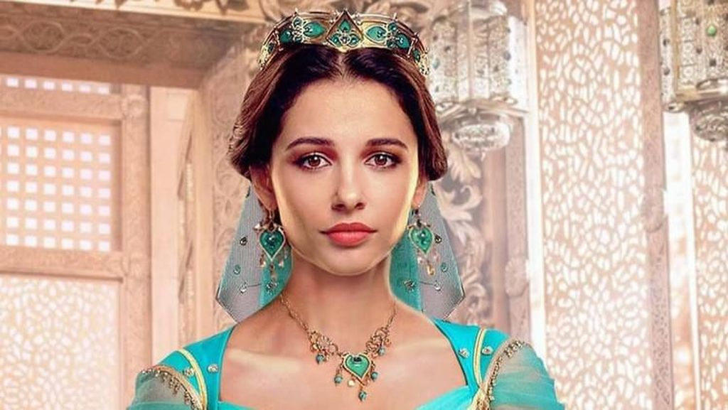 Foto: Cantiknya Naomi Scott Pakai Kostum Putri Jasmine di Film Aladdin