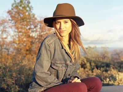 Ini Tips Traveling dari Gadis 21 Tahun yang Sudah Keliling Dunia