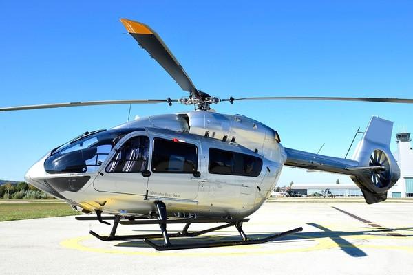 Inilah Airbus Helicopters H145: Mercedes-Benz. Helikopter keluaran Airbus yang bekerjasama dengan Mercedes-Benz (Aribus)