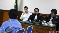 Jawaban Berbelit Steve Emmanuel Buat Hakim Marah