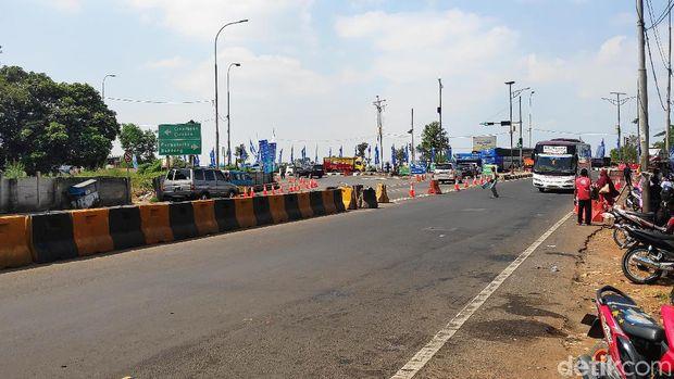 Jalur arteri non tol di Purwakarta per pukul 12.20 WIB, Senin (10/6/2019)