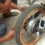 Motor Harian Pakai Ban Cacing & Lepas Rem, Itu Bodoh!