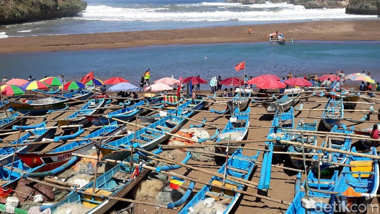 Gelombang Tinggi, Nelayan Pantai Baron Gunungkidul Tak Melaut