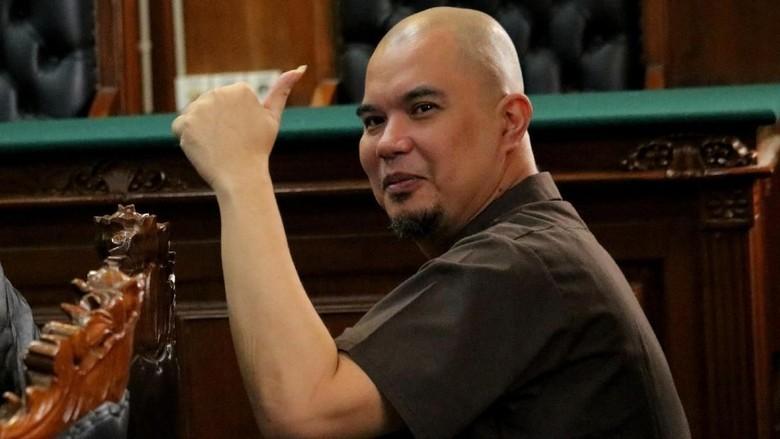 Banding Kasus Idiot Diterima, Ahmad Dhani Masih Dipenjara Kasus ITE