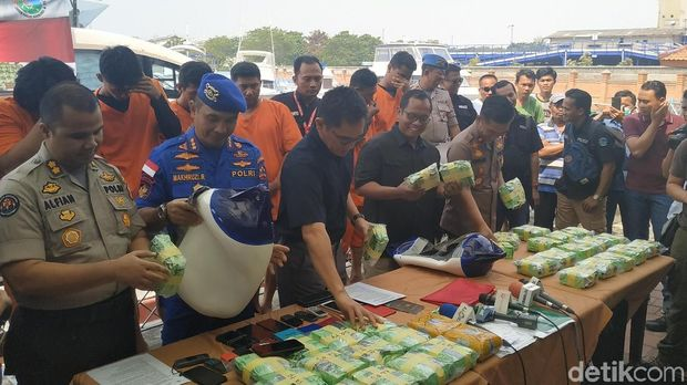 Direktorat Narkoba Bareskrim Polri menggagalkan upaya penyelundupan 37 kilogram sabu dari Malaysia.
