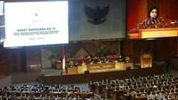 Meski begitu, kata Sri Mulyani, perekonomian Indonesia tetap mampu menunjukkan ketahanannya, dengan pertumbuhan di atas 5,07%. Menurutnya kondisi itu didukung oleh permintaan domestik dan kebijakan makro ekonomi fiskal dan moneter.