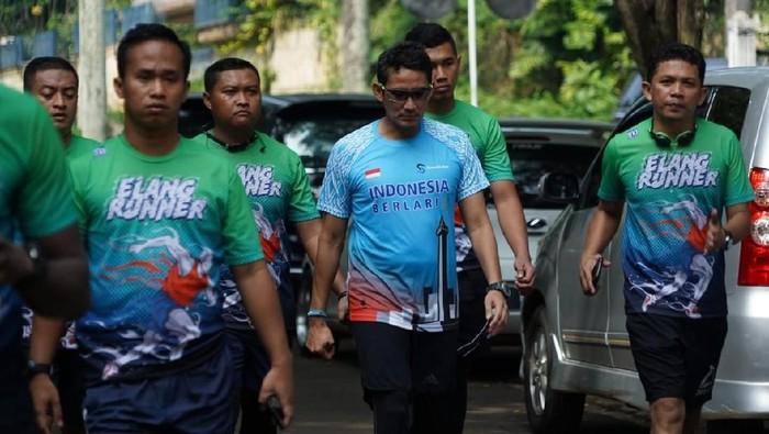 Sandiaga Uno berolahraga bersama komunitasnya (Farih Maulana Sidik/detikcom).