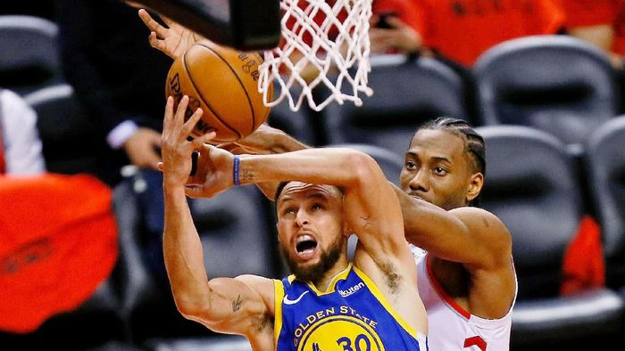 Golden State Warriors menang tipis di kandang Toronto Raptors, memperpanjang napas di Final NBA 2019. (Foto: John E. Sokolowski-USA TODAY Sports)