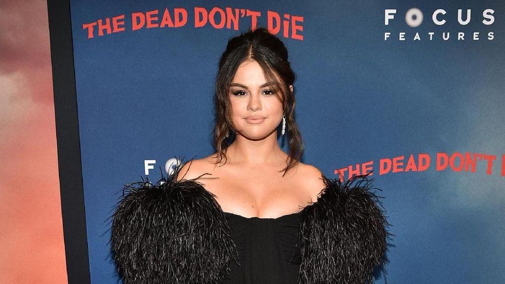 Belum Diumumkan, Rencana Selena Gomez Bisnis Kecantikan Sudah Bocor
