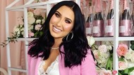 Dikritik Ada Serabut di Lipstik, Jaclyn Hill Bantah Produknya Berbahaya