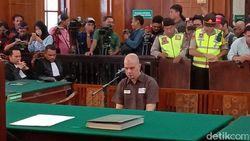 Ari Lasso Doakan Kemerdekaan Ahmad Dhani