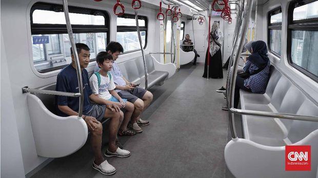 Sebulan Uji Publik, Penumpang LRT Jakarta Capai 211 Ribu