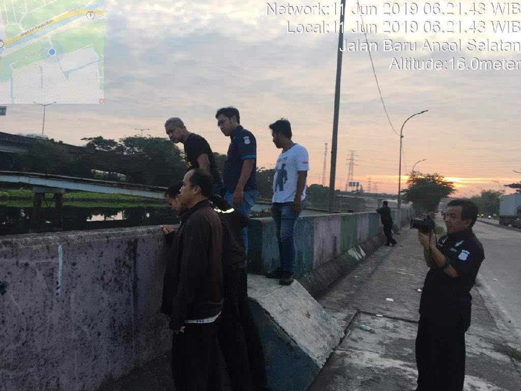 Rel Kereta Api Bintaro (Ari Saputra/detikcom)