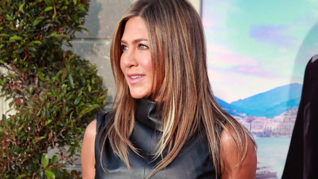 Buka Instagram, Jennifer Aniston Posting Foto Selfie Bareng Friends