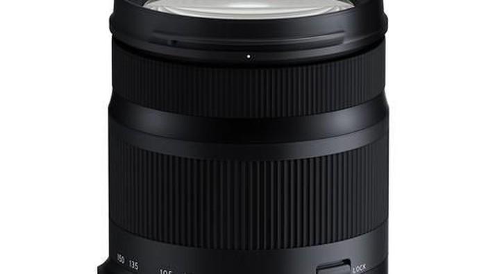 lensa Tamron 35-150mm f/2.8-4 VC OSD. . (Foto: Dok. Enche Tjin)
