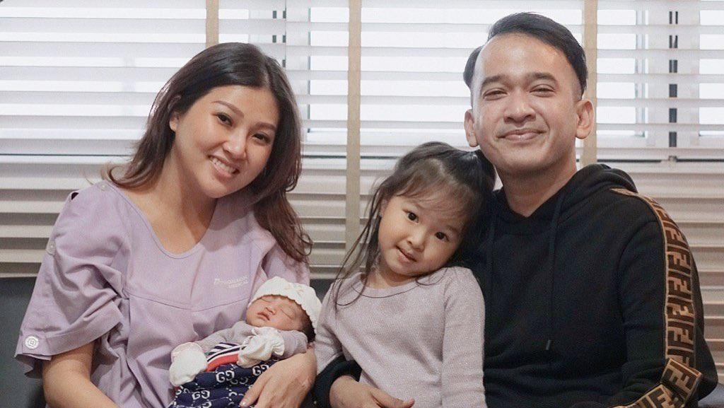Sesuai Rencana, Putri Kedua Ruben Onsu Lahir Pukul 11.11