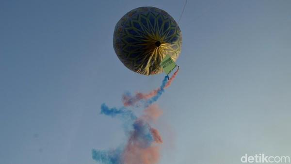 Dengan adanya festival balon ini diharapkan budaya masyarakat tetap berjalan dan keselamatan penerbangan tidak terganggu. (Robby Bernardi/detikcom)