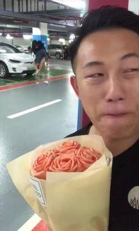 foto pria yang latarnya sang pacar tengah berselingkuh ini viral
