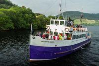 Turis yang berwisata di Danau Loch Ness (iStock)