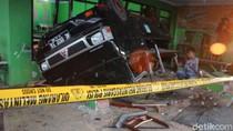 Pikap Tabrak Rumah Makan di Jombang Usai Diseruduk Bus, 3 Orang Tewas