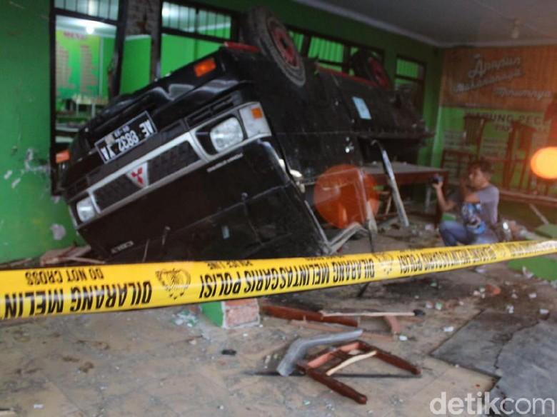 Ini Penyebab Bus Tabrak Pikap yang Tewaskan 1 TNI dan 2 Warga di Jombang