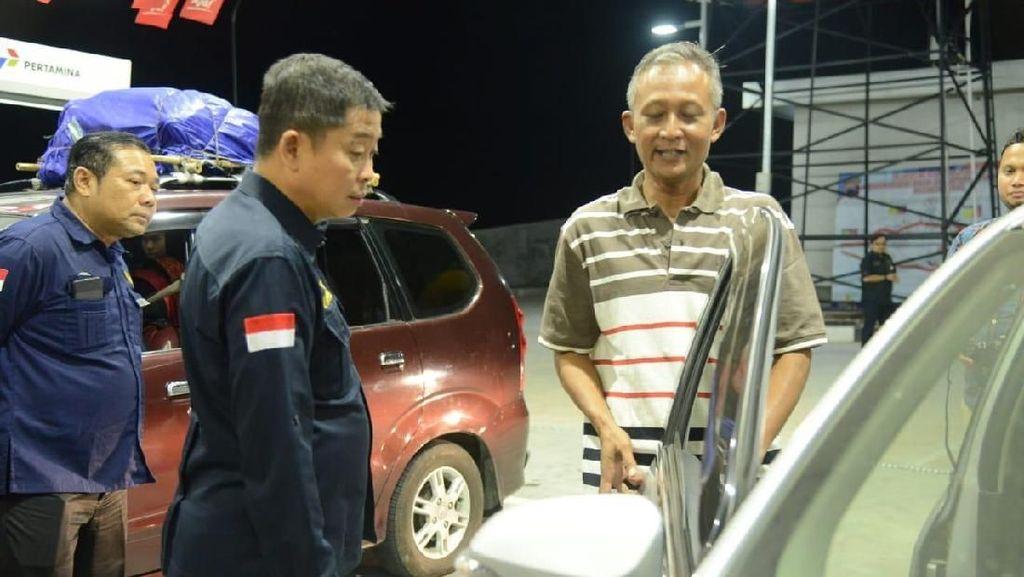 Malam-malam, Jonan Cek SPBU di Rest Area Tol Trans Jawa