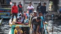 Warga mulai kembali ke Jakarta usai mudik lebaran.