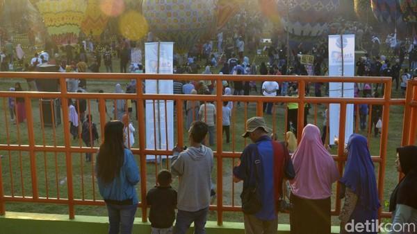 Dijelaskannya, antusiasme masyarakat dapat terlihat dari jumlah peserta yang berpartisipasi pada festival tahun ini. (Robby Bernardi/detikcom)