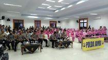 Momen Haru Konferensi Video Keluarga Brimob Jambi yang BKO ke DKI