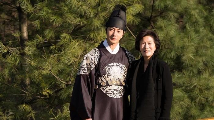 Jung Il Woo di lokasi syuting. Foto: Instagram/@jilwww